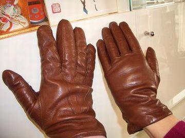 まだ、手袋をするには早い時期ですから