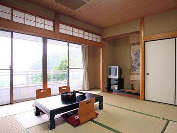 「国民宿舎 桂浜荘」部屋風呂ありの和室