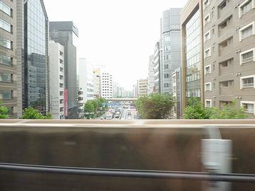 新幹線の車窓からの写真