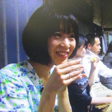 『おんな酒場放浪記』レポーターのひとり、写真家の古賀絵里子さん