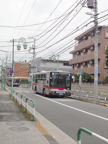 バスが、バス停に着いてしまいました