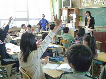 好奇心旺盛な生徒を、先生は喜ばねばなりませんぞ