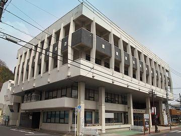 青梅市民会館全容