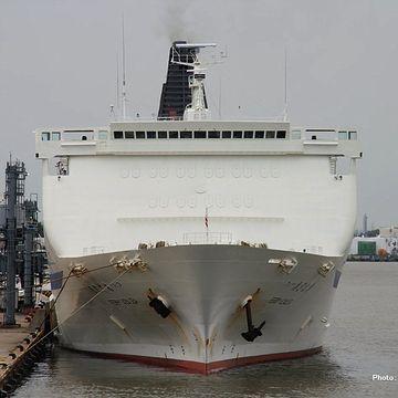フェリーの甲板から海まで、どれだけの高さがあると思うんです?