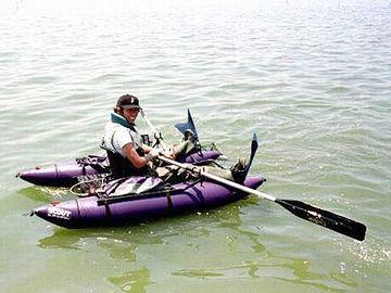 ポンツーンボート