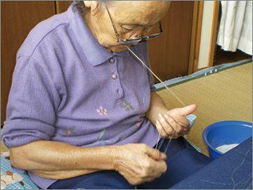 まず、糸を作るところから始める