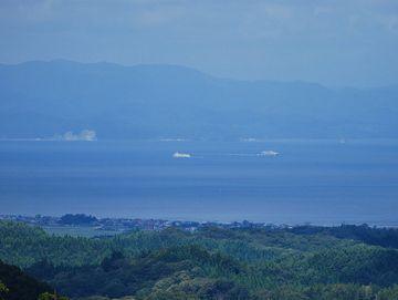 ここからだと、タイミングが良ければ、函館行きのフェリーも見えますよ