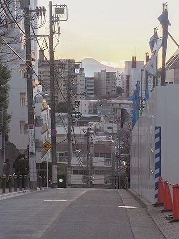 JR目黒駅近くにある富士見坂