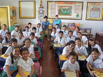 フィリピンの小学校。楽しそうです。