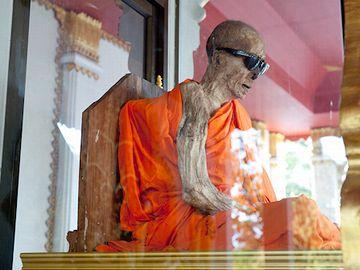 タイの即身仏
