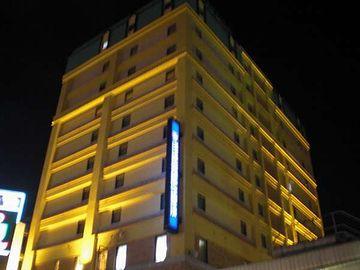 ここも、津島さんに勧められたホテルですのよ