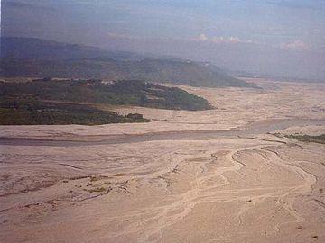 噴火の降下物による大洪水