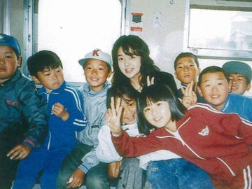 昭和62年、むつ市立蛎崎(かきざき)小学校の遠足