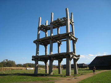 『三内丸山遺跡』を象徴する建造物ですね