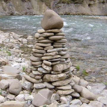 積み石を完成させると、成仏できる