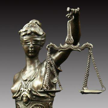 正義の女神・テミス