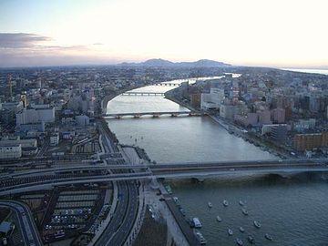 新潟市内を流れる信濃川