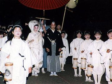 新潟県阿賀町の『狐の嫁入り』は、全国的に有名じゃ