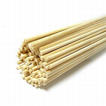 竹ひごを錐のように使った