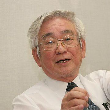 物理学賞を受賞した益川教授