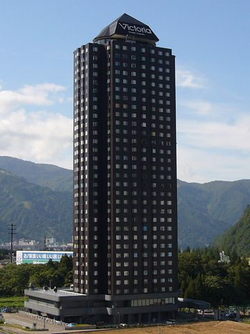 バブルの塔って感じのリゾートマンション