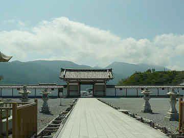 恐山の入口『総門』
