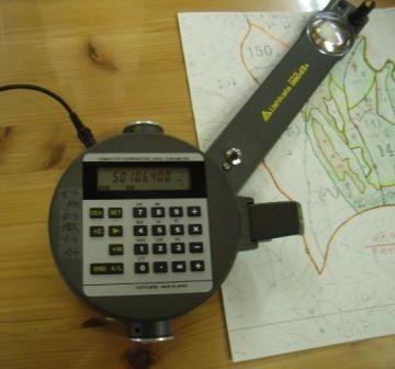 面積の測定に使われる、プラニメーターという器械