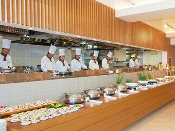 杉乃井ホテル・バイキングレストラン「Seeds」・オープンキッチン