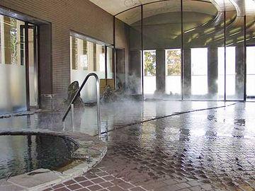 こんな大浴場があります。普通であれば、部屋のユニットバスを使う必要はありません。