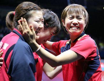 ロンドンオリンピックで決勝進出を決め、喜ぶ3人。