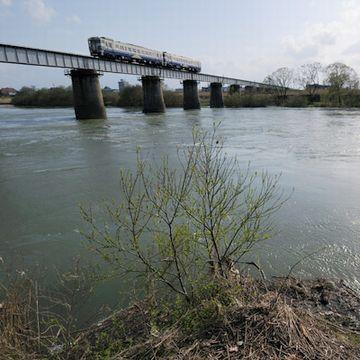 『岩木川橋梁』です
