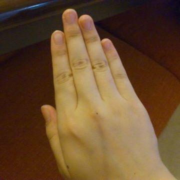 人差し指から小指までの幅の3倍だったんじゃないの?