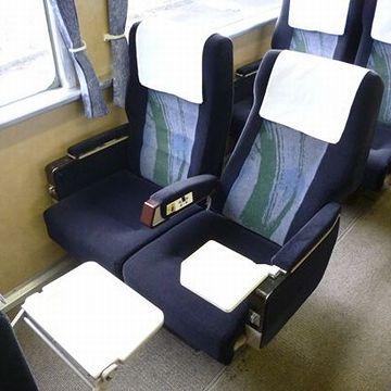 『くびき野』。こちらは、グリーン席。これなら、金取るわな。