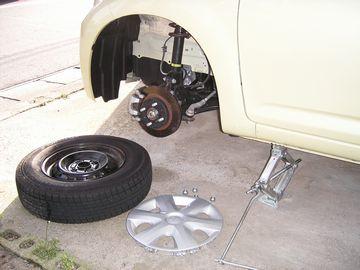 タイヤ交換中