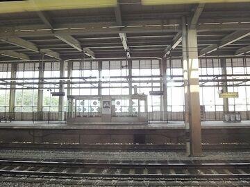 長岡駅に停まります