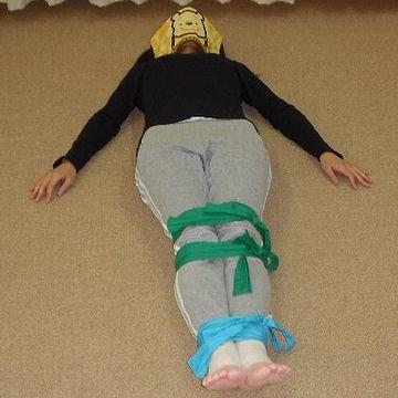 ヒモ縛り睡眠法