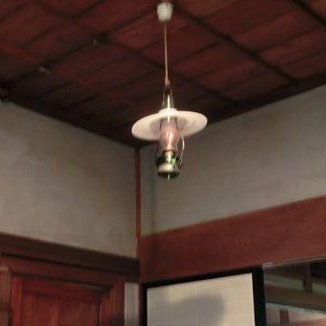 釧路市の『米町ふるさと館(旧田村邸)』。石油ランプだそうです。