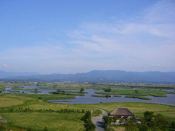農村には、その支流に繋がる用水路や排水路が、網の目のように広がってる
