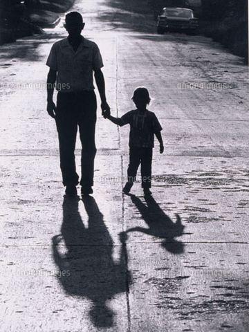 少年と父親