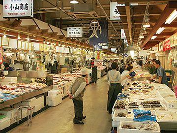 秋田市民市場・水産通り