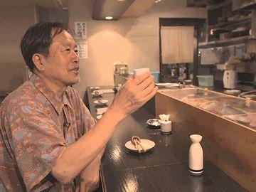 太田和彦も、吟醸酒の燗を注文しておる