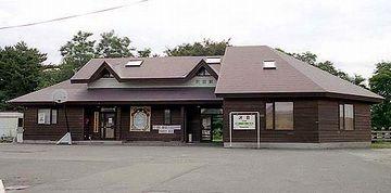沢目駅。北能代駅とは大違い。
