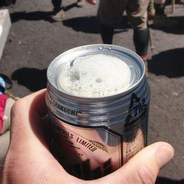 缶ビールは、直飲みが一番