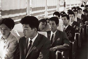 昭和40年代の宮崎。すべて新婚カップルですね。