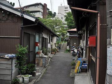 どこだと思います? なんと! 東京都港区元麻布です。