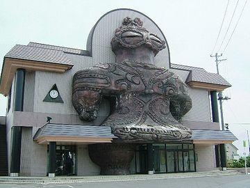 日本人が見ても驚きですが……。外人が見たら、びっくら仰天でしょうね。