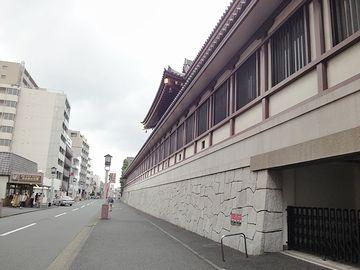この壁はもう『川崎大師』