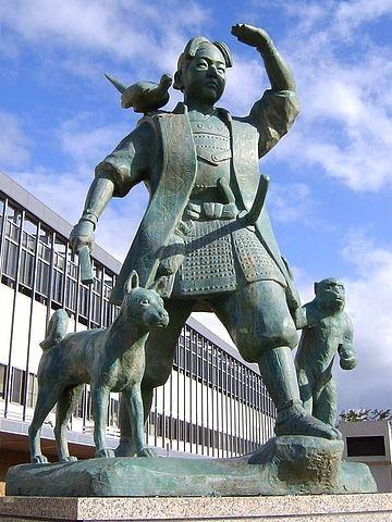 岡山駅の桃太郎像