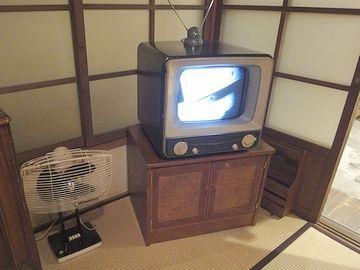 茶の間のテレビ