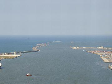 信濃川から海に出て